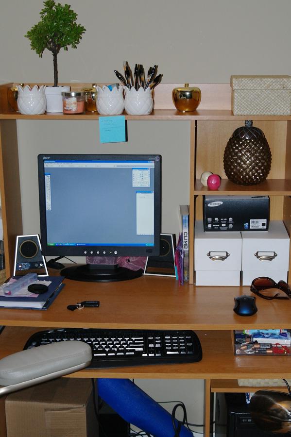 desk-clutter