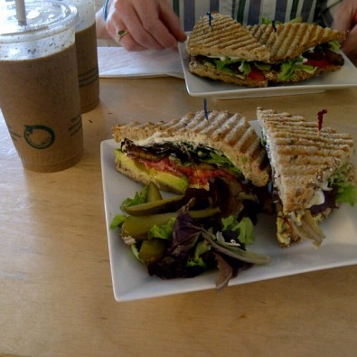 thrive juice bar lunch