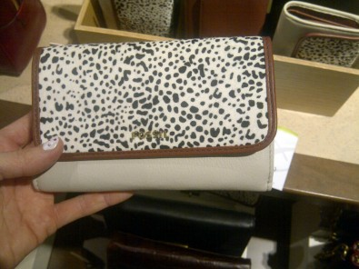 Fossil furry wallet