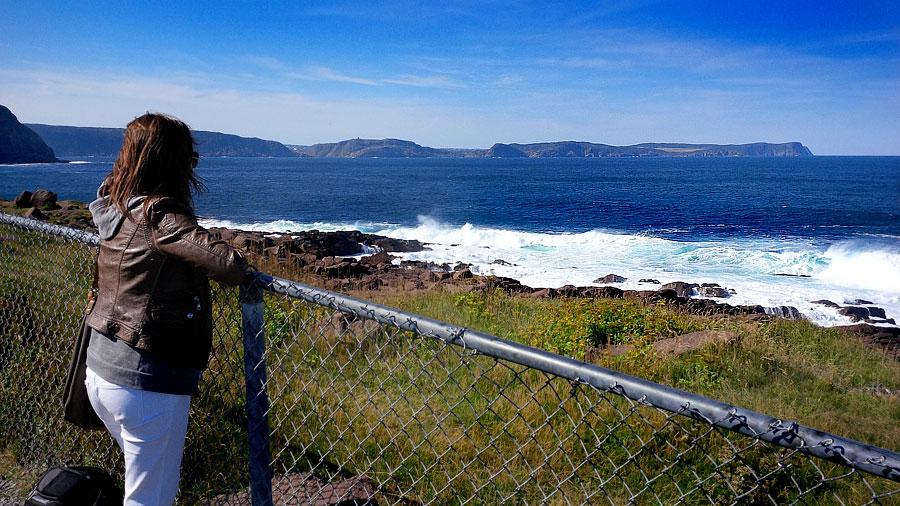 Overlooking-waves
