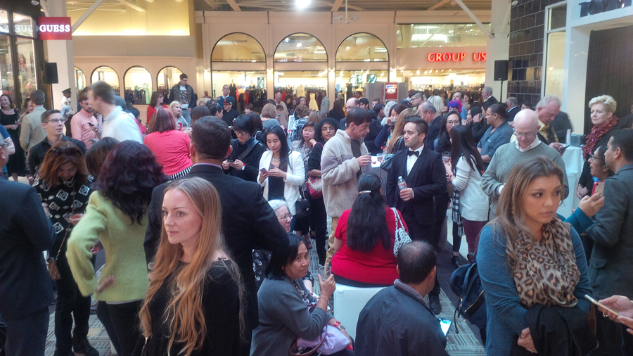 Crowded-event-at-Uniqlo