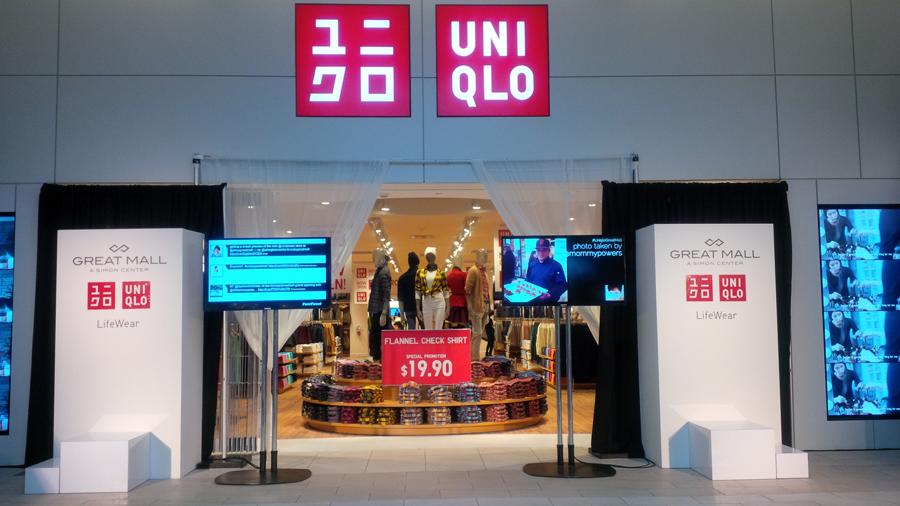 Uniqlos-grand-opening