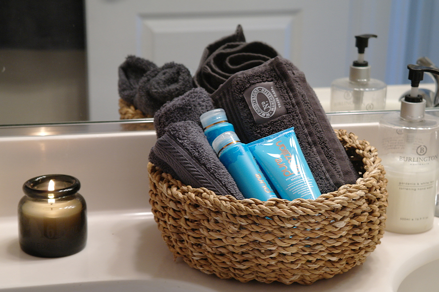 Basket-of-towels