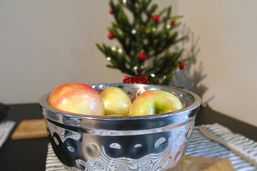 bowl-of-apples