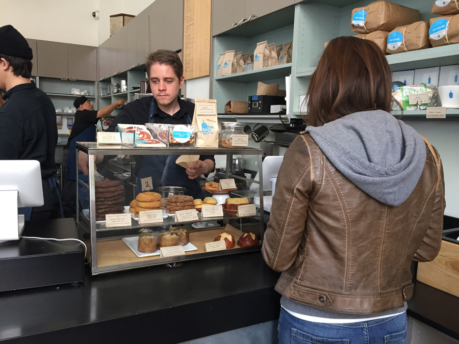 Nancy-ordering-at-Bluebottl
