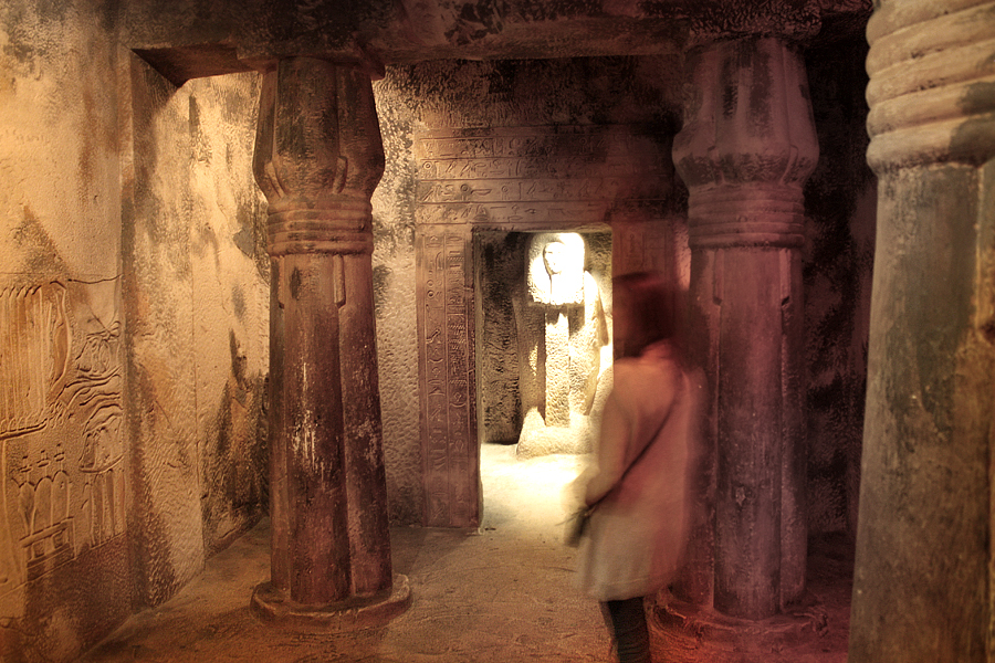 Ros-Egypt-Caveinside