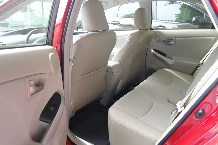 2015-Prius-Five-backseat