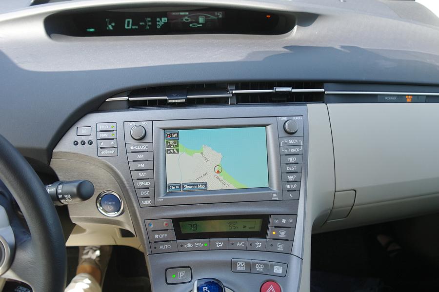 2015-Prius-Five-dash