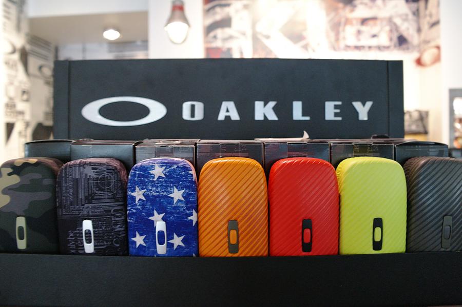 Oakley-Santana-Row