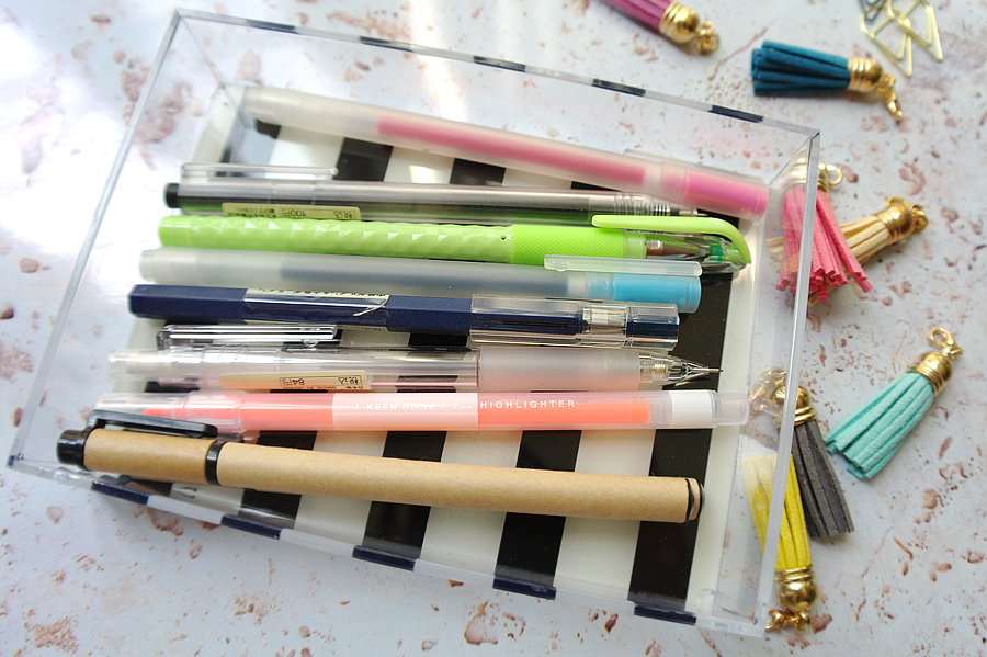 Pens-in-Daiso-striped-case