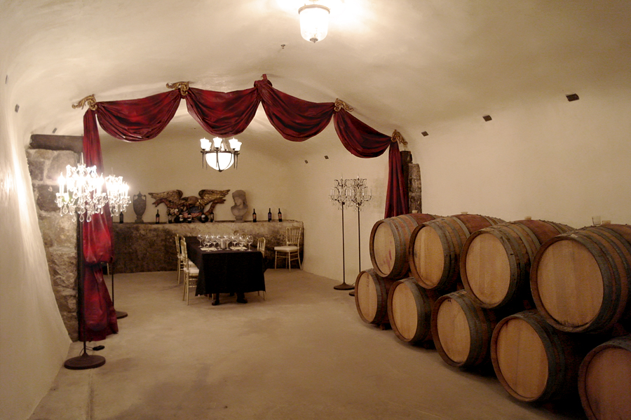 Wine-Tasting-Room