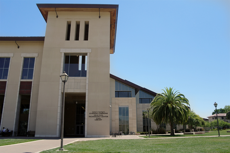 Santa-Clara-Uni-Library
