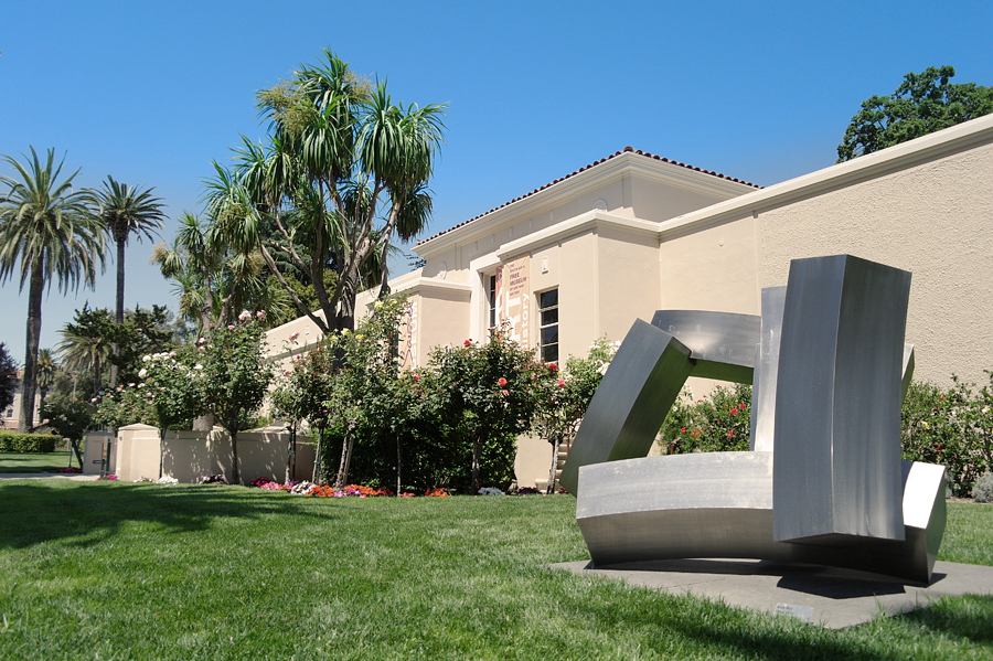 Santa-Clara-Uni-sculptures