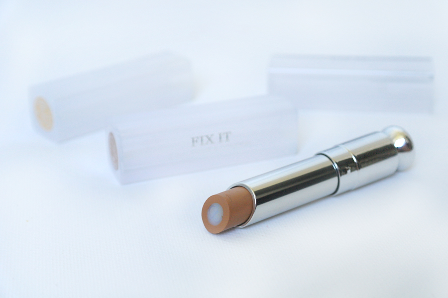 Dior Fix It 2-in-1 Prime & Conceal for Face Eyes & Lips in shade 003 Dark