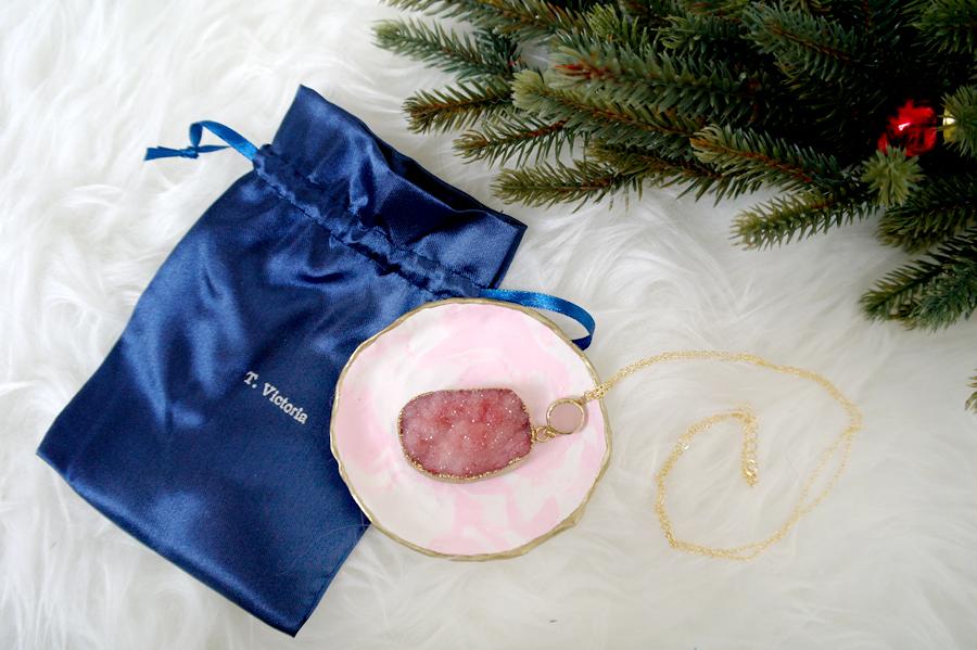 T. Victoria accessories