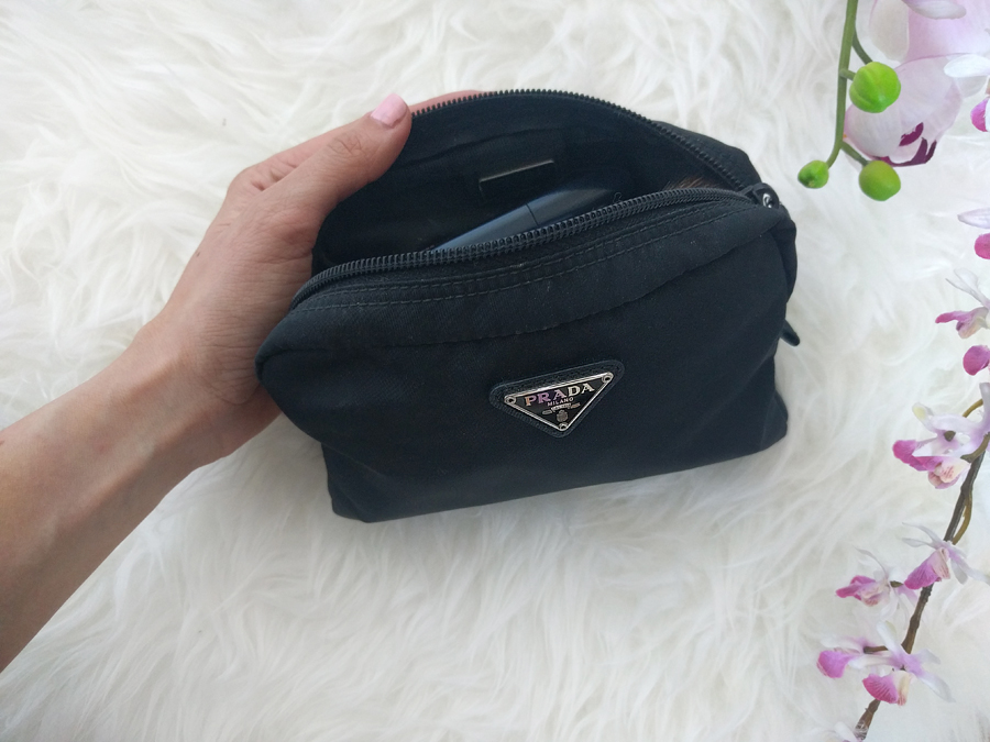 prada-makeup-bag1