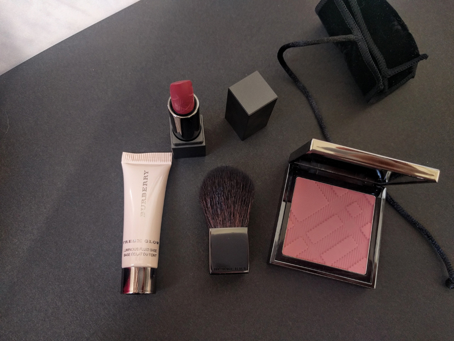 Burberry-beauty-box-August1